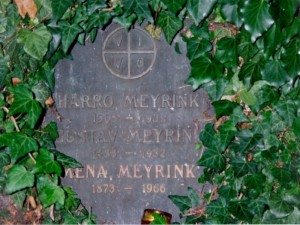 Gustav Meyrink's grave:  'VIVO' is the sign...