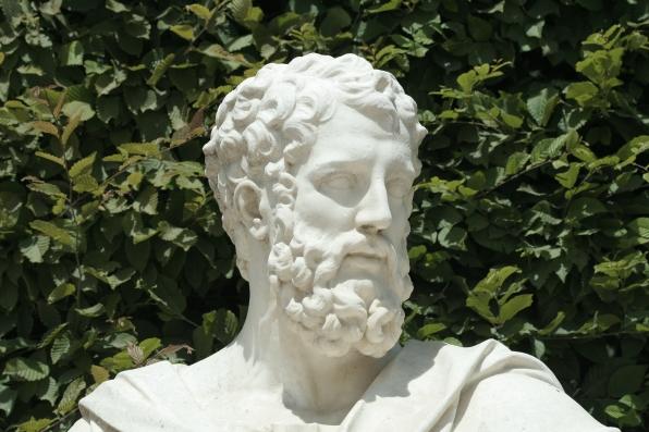 Parc_de_Versailles,_Rond-Point_des_Philosophes,_Apollonius,_Barthélemy_de_Mélo_inv1850n°9449_02